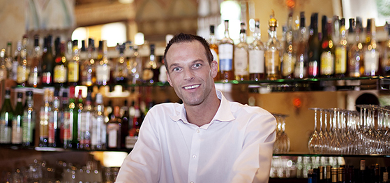 Esrta Bartender